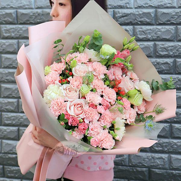 爱尚康乃馨百合花束