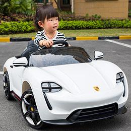 奥迪R8儿童电动玩具车